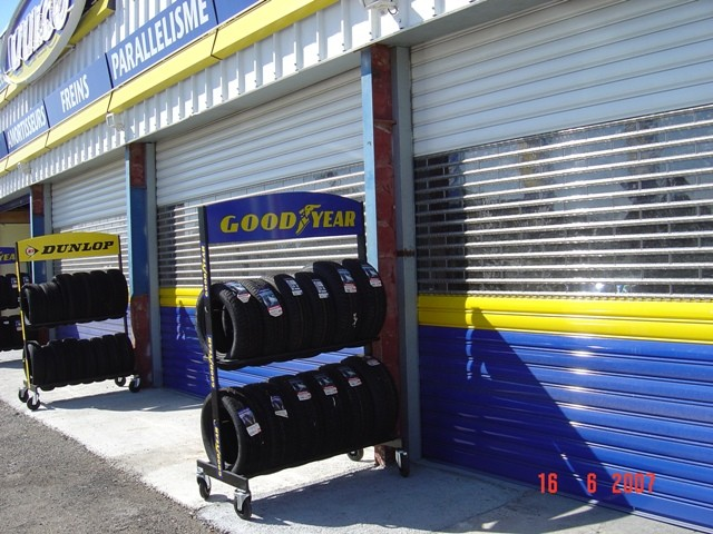 Installation d 39 automatisme de portail porte de garage for Garage salon de provence